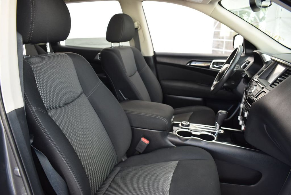 2017 Nissan Pathfinder 4x4 SV - 18439616 - 22