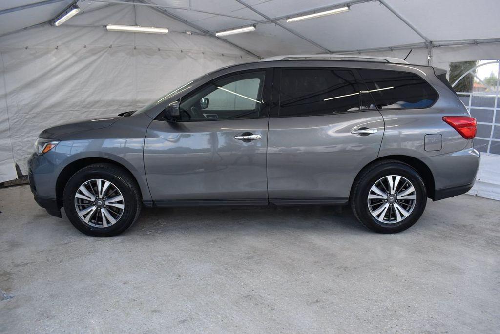 2017 Nissan Pathfinder 4x4 SV - 18439616 - 4