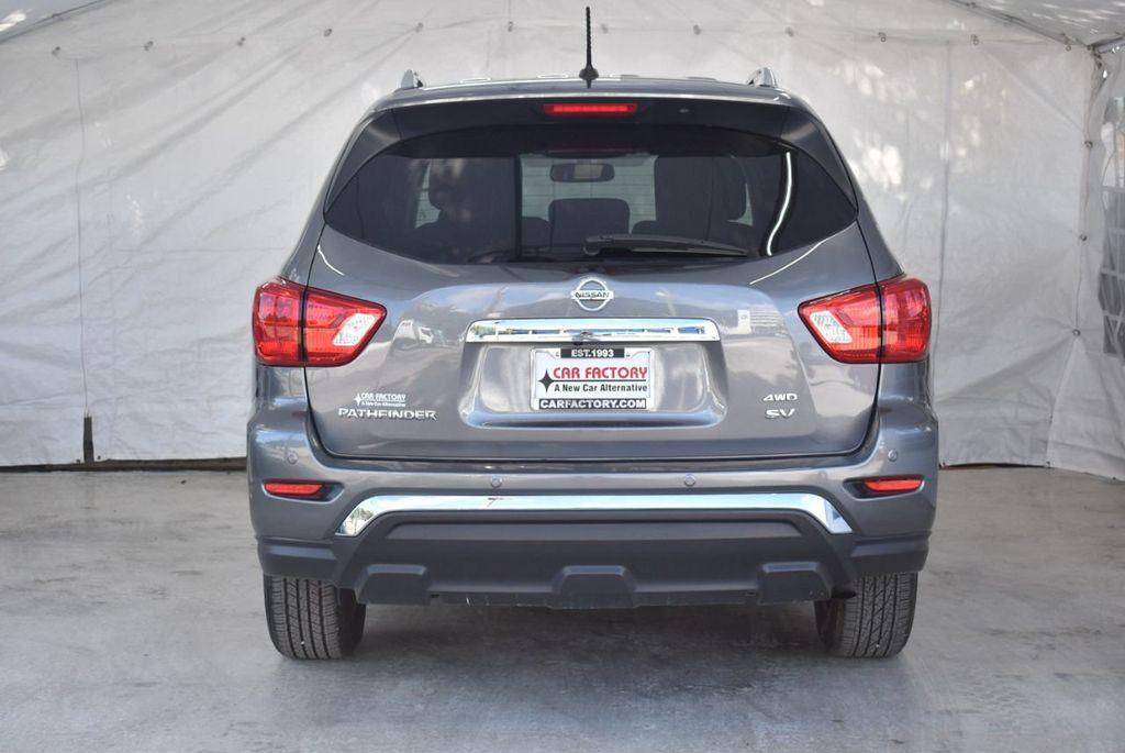 2017 Nissan Pathfinder 4x4 SV - 18439616 - 7