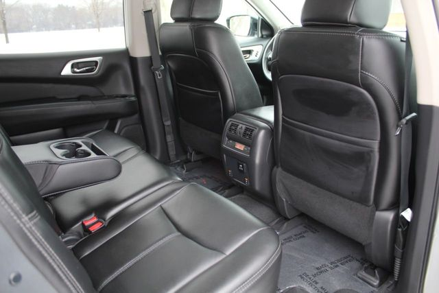 2017 Nissan Pathfinder SL LEATHER NAVIGATION MOONROOF ONE OWNER - Click to see full-size photo viewer