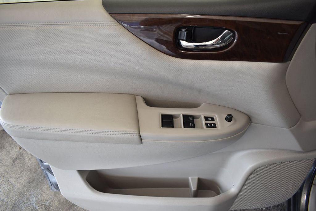 2017 Nissan Quest S CVT - 17986934 - 11