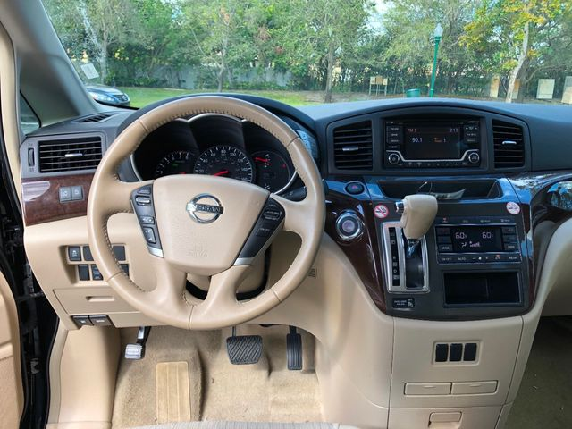 2017 Nissan Quest SV CVT - Click to see full-size photo viewer