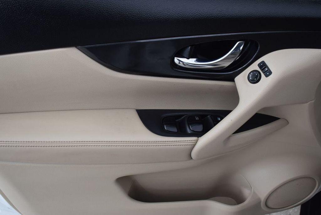 2017 Nissan Rogue  - 18550555 - 12