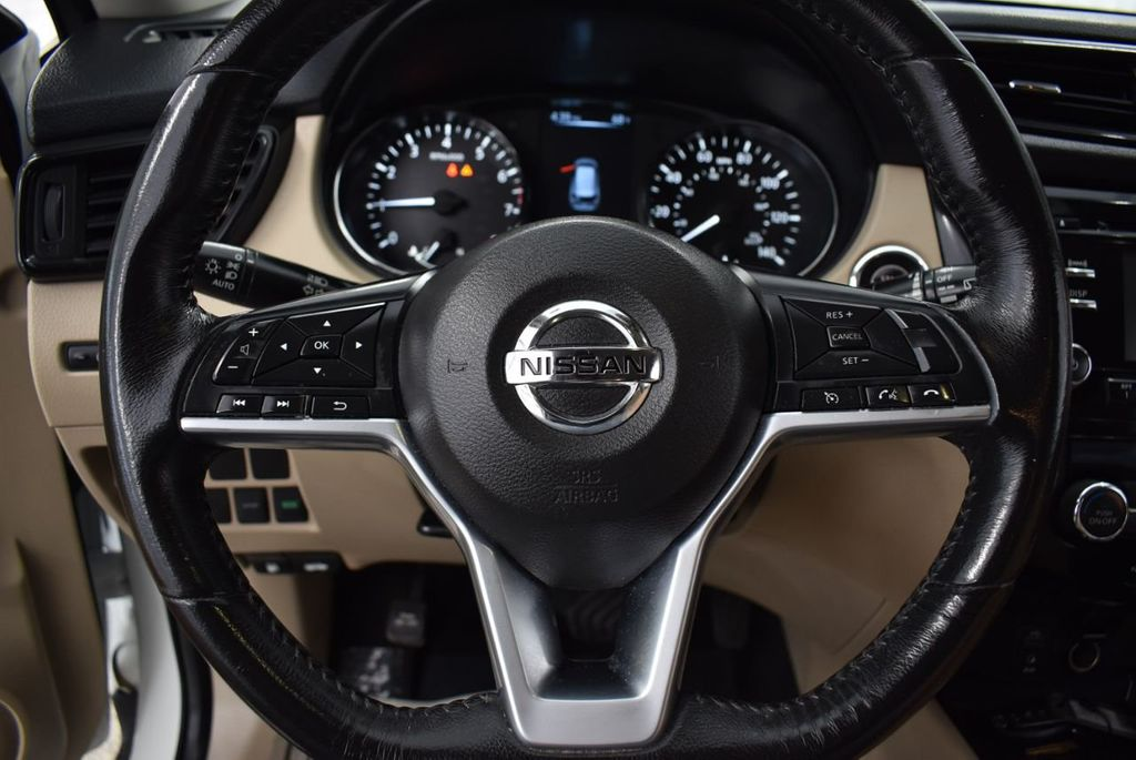 2017 Nissan Rogue  - 18550555 - 19