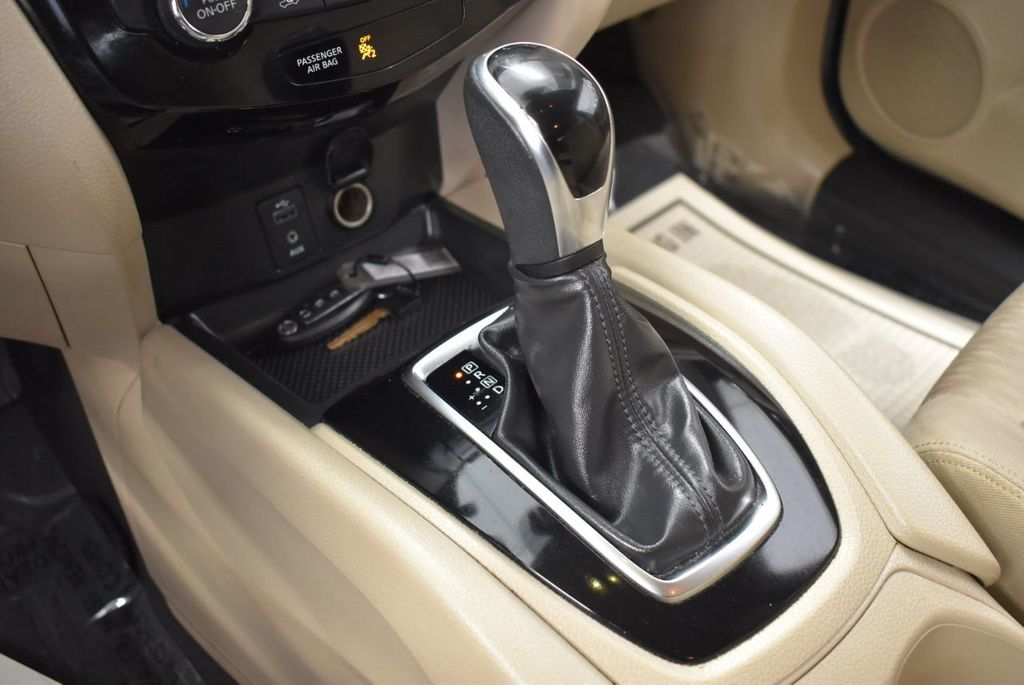 2017 Nissan Rogue  - 18550555 - 23