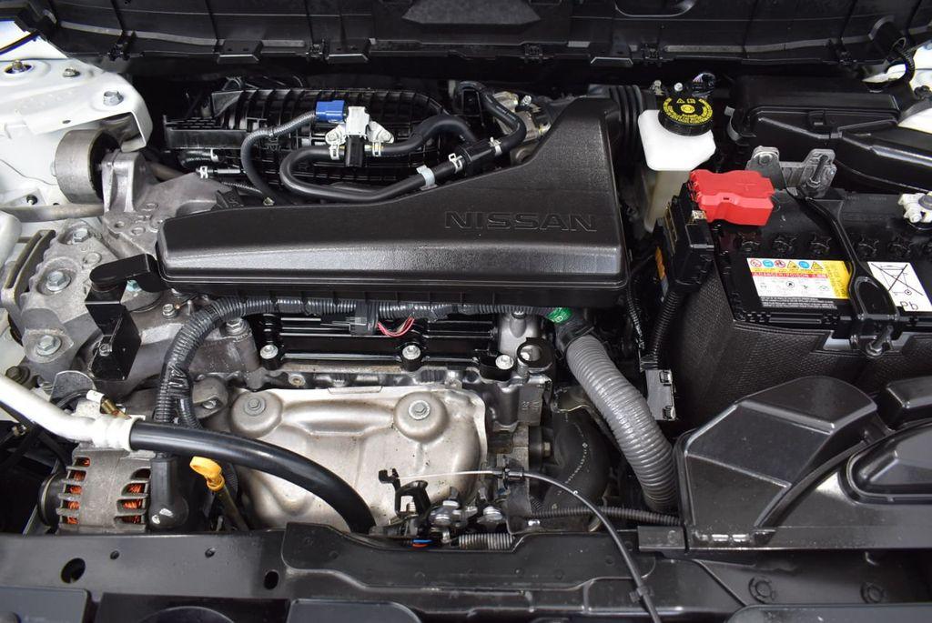 2017 Nissan Rogue  - 18550555 - 24