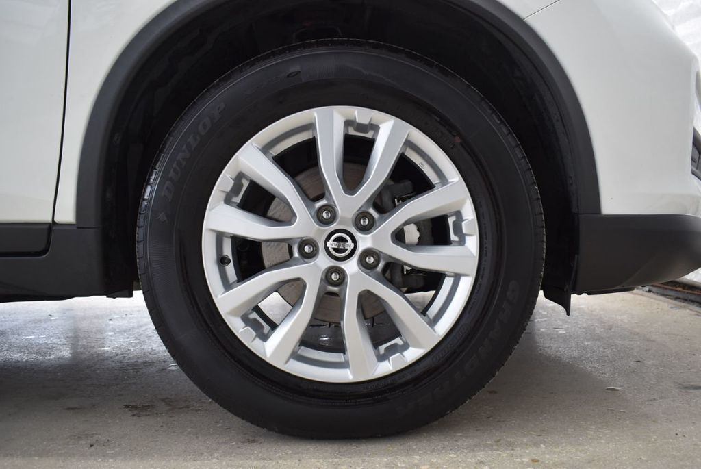 2017 Nissan Rogue  - 18550555 - 6
