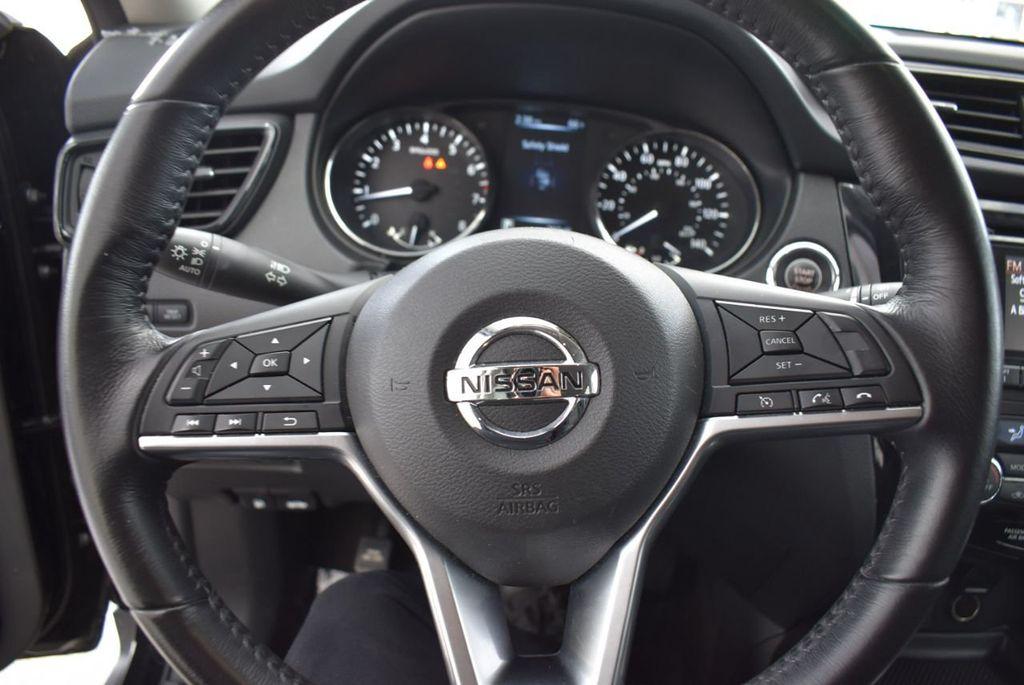 2017 Nissan Rogue  - 18550556 - 12