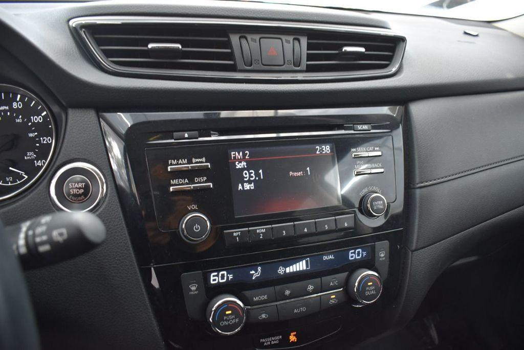 2017 Nissan Rogue  - 18550556 - 13