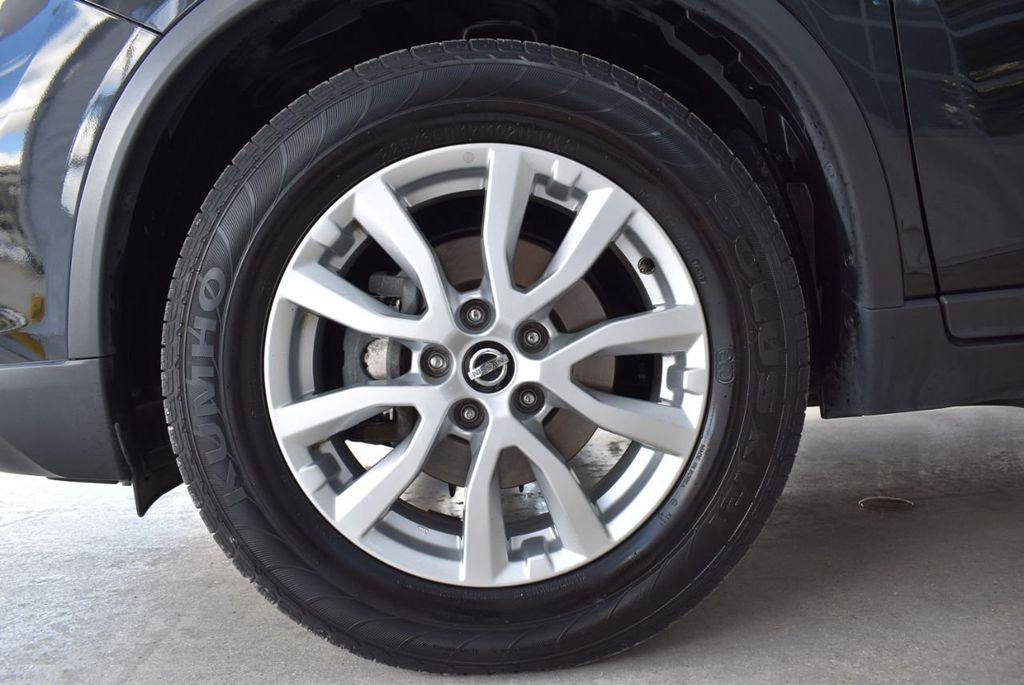 2017 Nissan Rogue  - 18550612 - 9