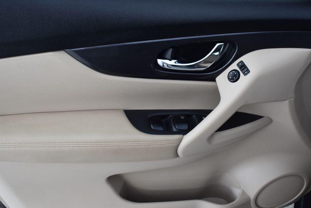 2017 Nissan Rogue  - 18550612 - 12