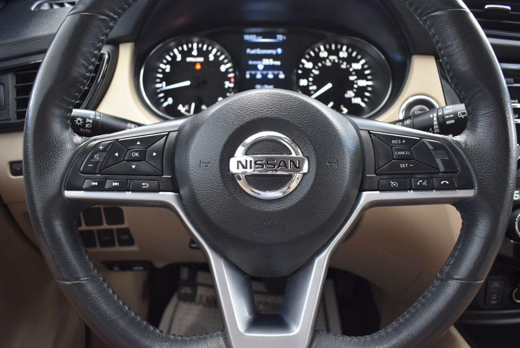 2017 Nissan Rogue  - 18550612 - 15