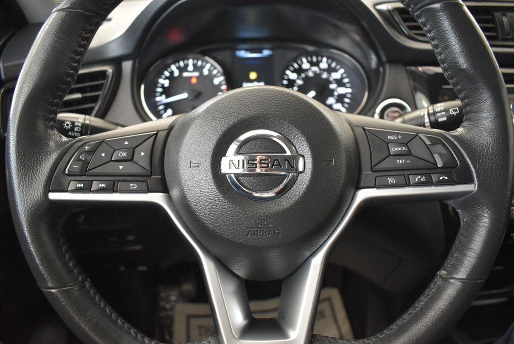 2017 Nissan Rogue 2017.5 AWD S - 18056360 - 17