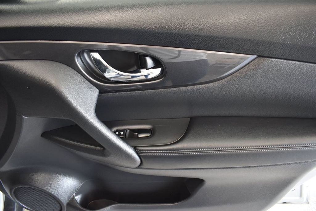 2017 Nissan Rogue 2017.5 AWD S - 18056360 - 25