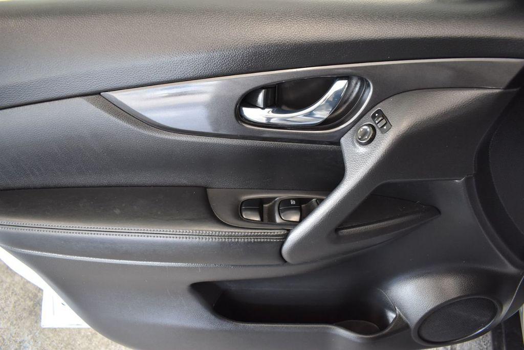 2017 Nissan Rogue 2017.5 AWD S - 18157157 - 15
