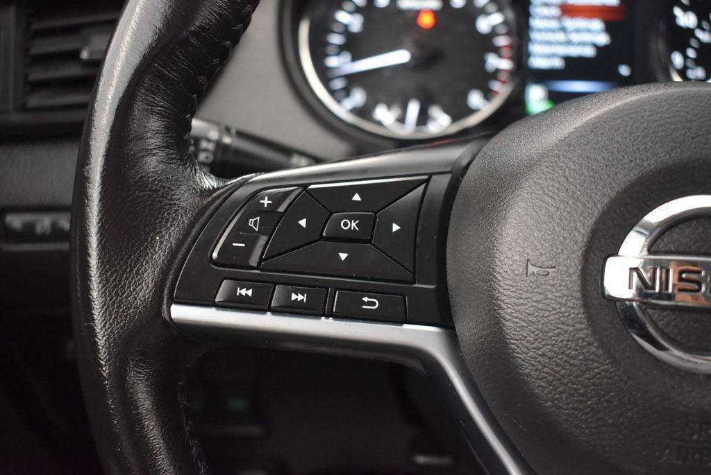 2017 Nissan Rogue 2017.5 AWD S - 18157157 - 19