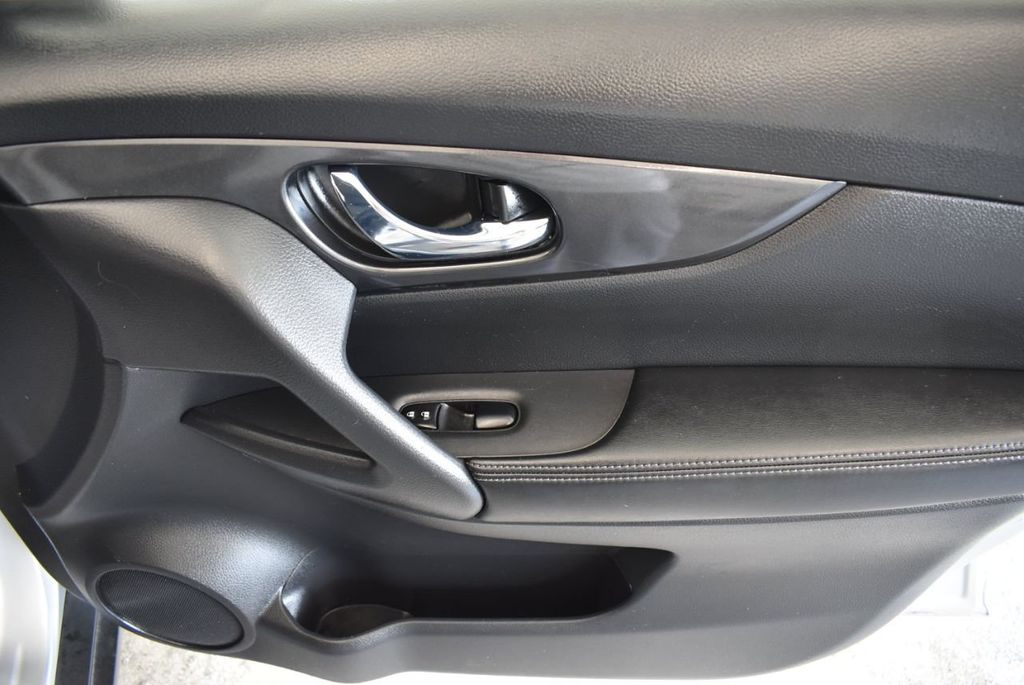 2017 Nissan Rogue 2017.5 AWD S - 18157157 - 25