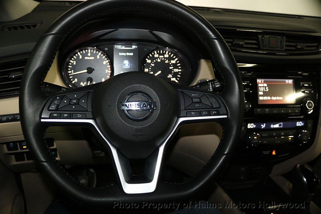 2017 Nissan Rogue 2017.5 FWD SV - 17522240 - 28