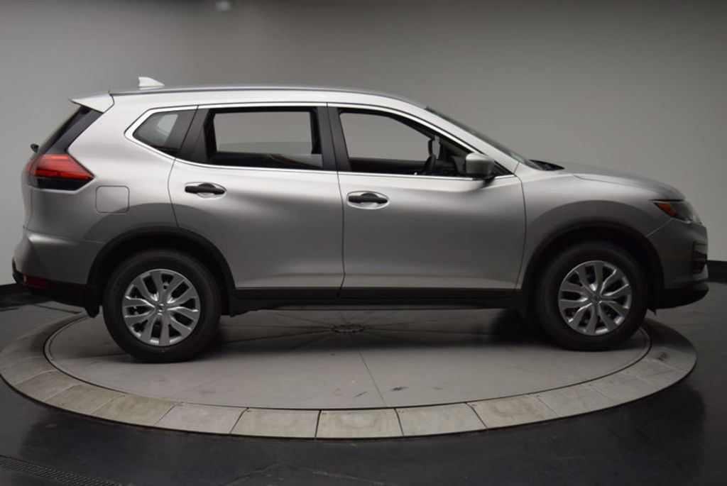 2017 Nissan Rogue AWD S - 15834739 - 8