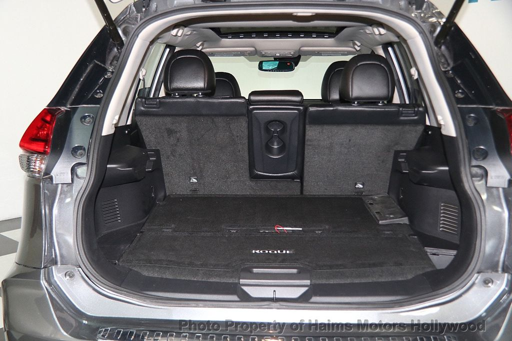 2017 Nissan Rogue AWD SL - 17280760 - 9