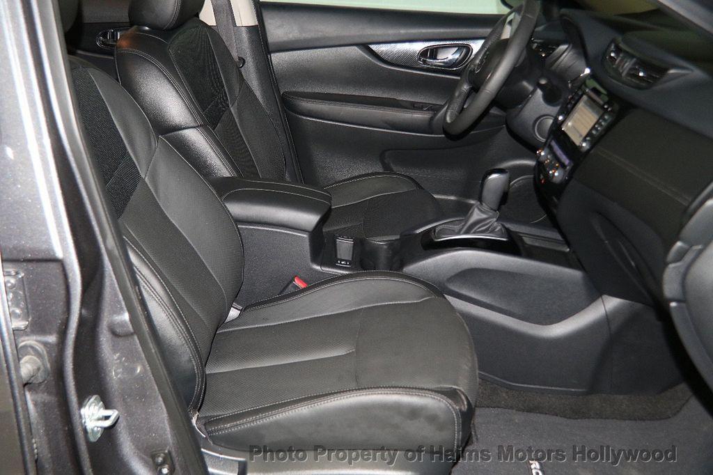 2017 Nissan Rogue AWD SL - 17280760 - 15