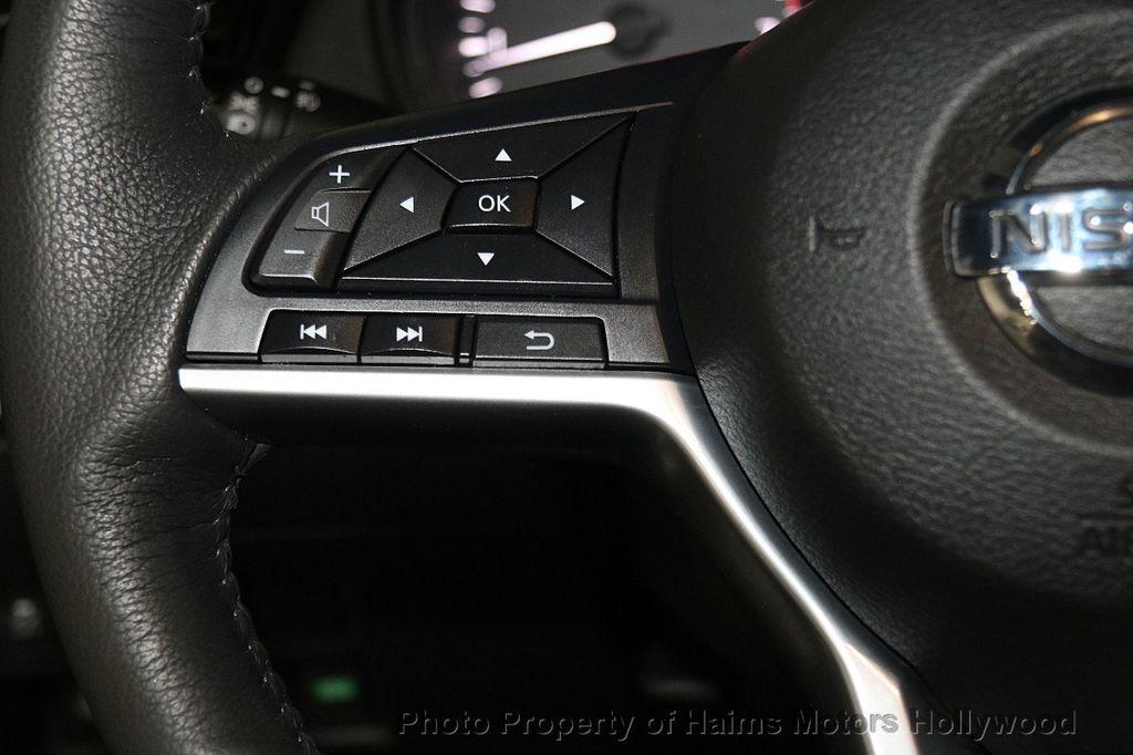 2017 Nissan Rogue AWD SL - 17280760 - 27
