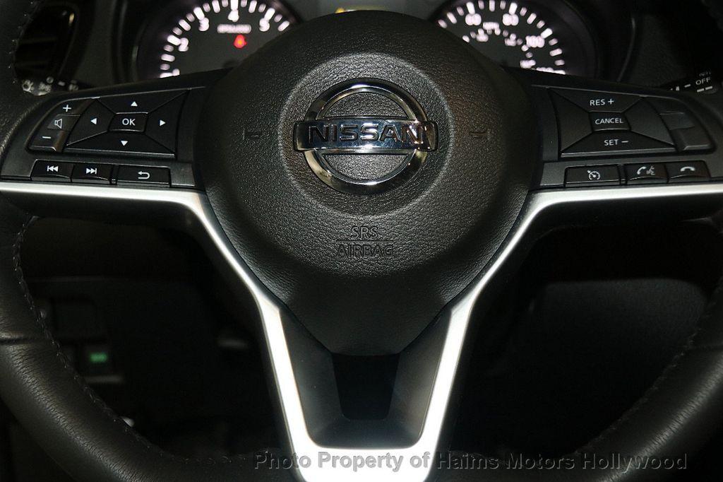 2017 Nissan Rogue AWD SL - 17280760 - 29