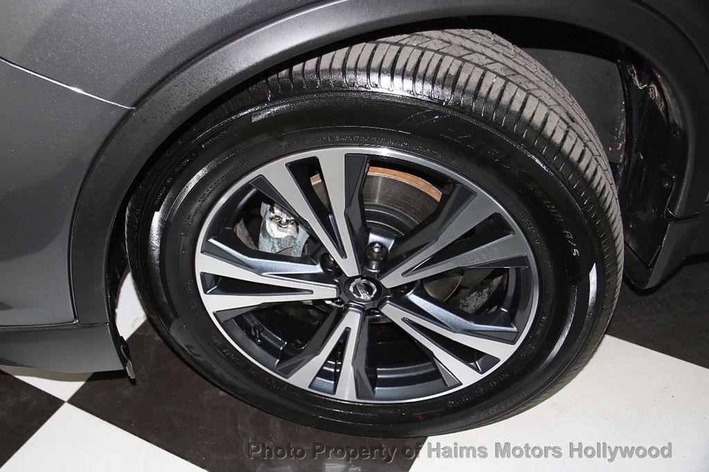 2017 Nissan Rogue AWD SL - 17280760 - 34