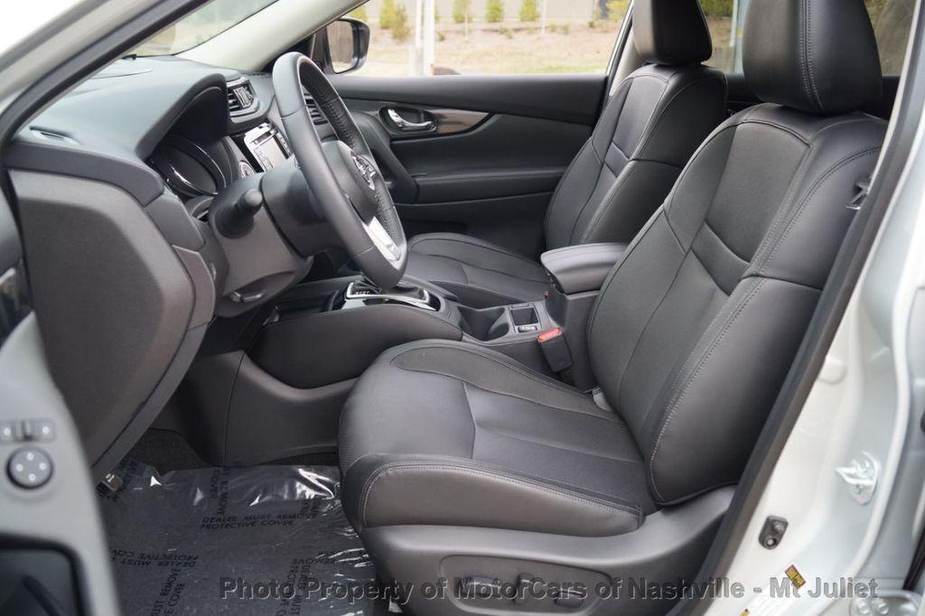 2017 Nissan Rogue FWD SL Hybrid - 18415356 - 20