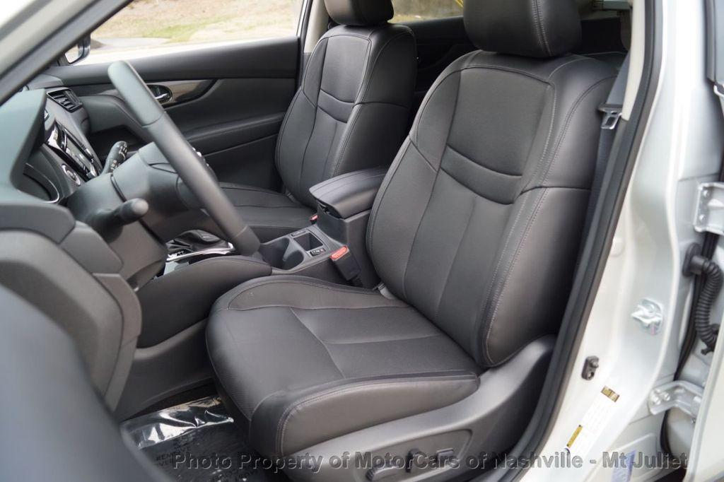 2017 Nissan Rogue FWD SL Hybrid - 18415356 - 21