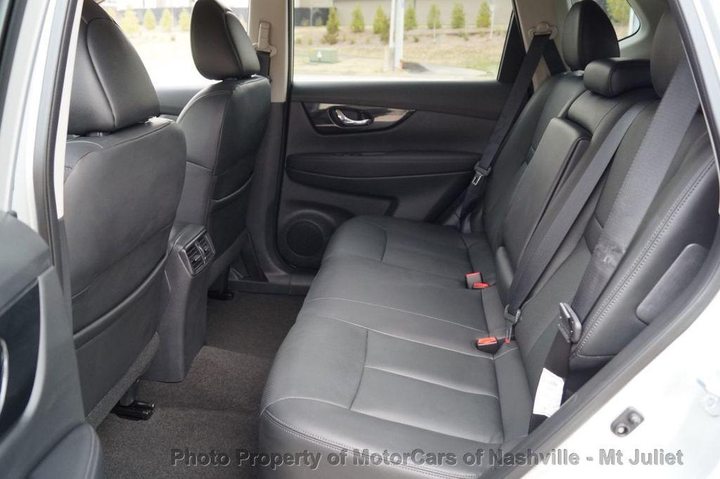 2017 Nissan Rogue FWD SL Hybrid - 18415356 - 22