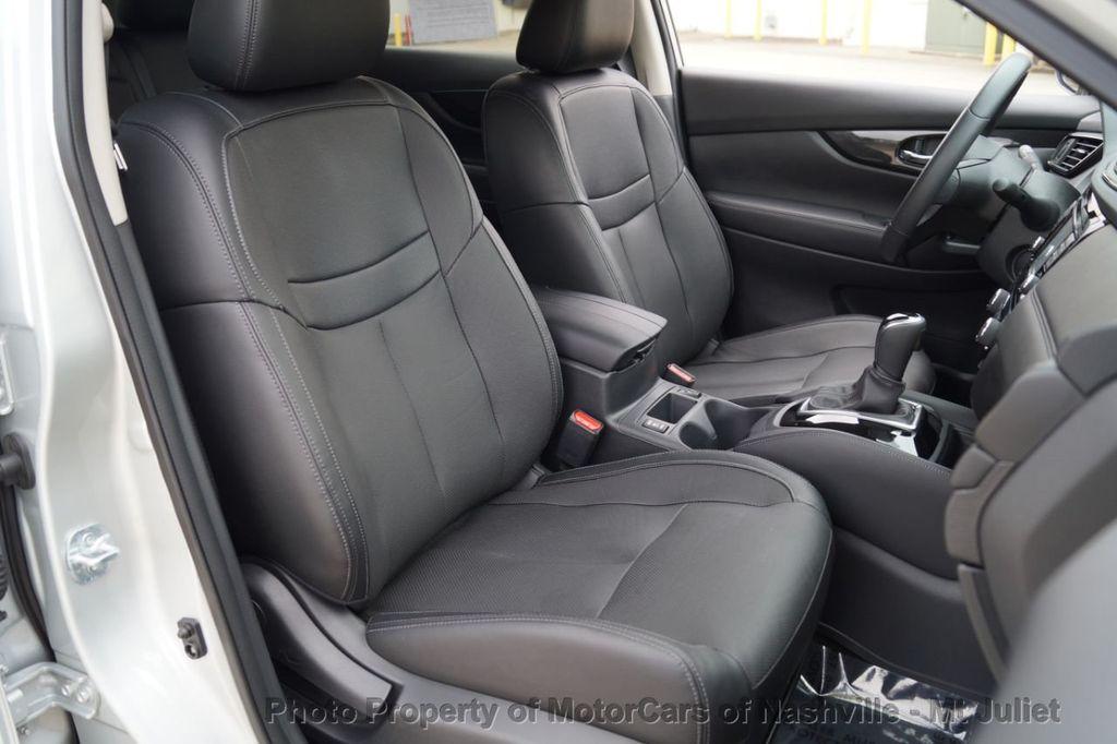 2017 Nissan Rogue FWD SL Hybrid - 18415356 - 24