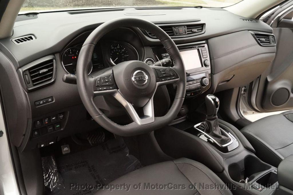 2017 Nissan Rogue FWD SL Hybrid - 18415356 - 26