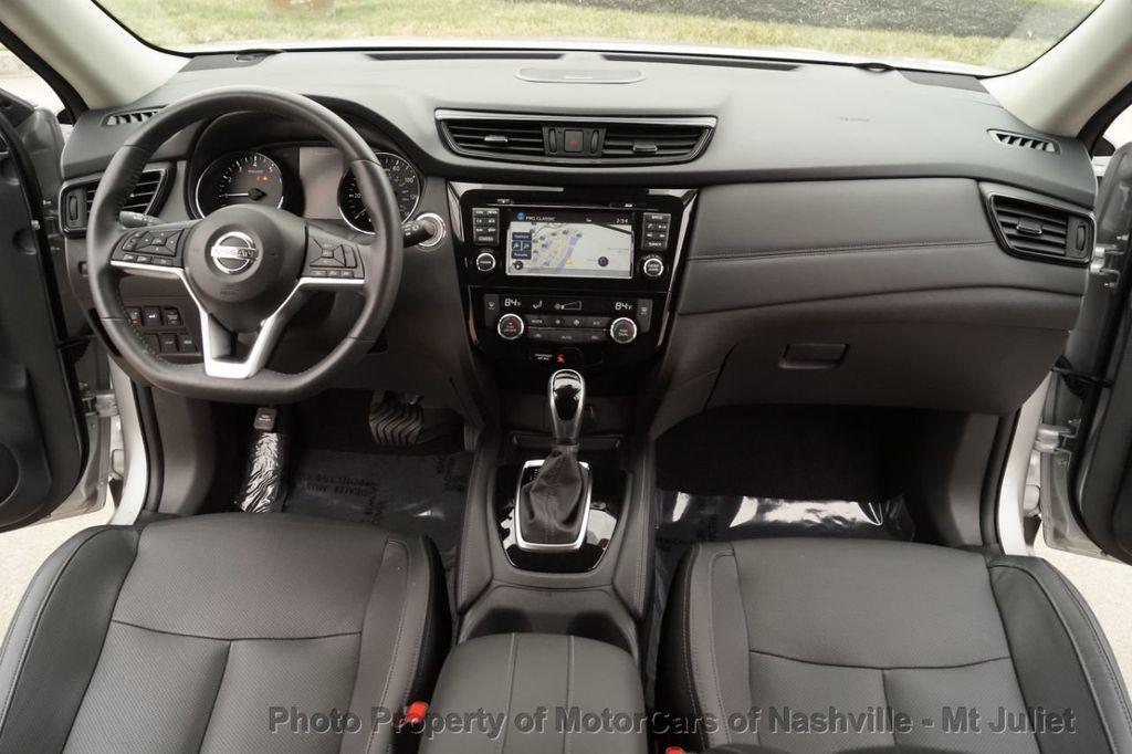 2017 Nissan Rogue FWD SL Hybrid - 18415356 - 28