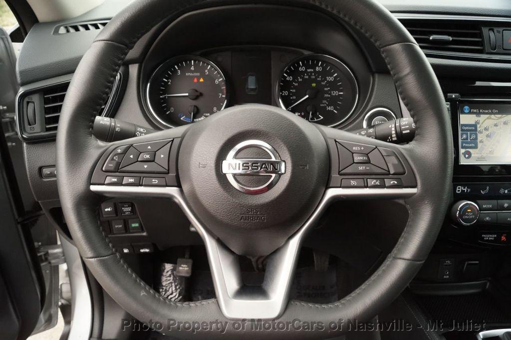 2017 Nissan Rogue FWD SL Hybrid - 18415356 - 29