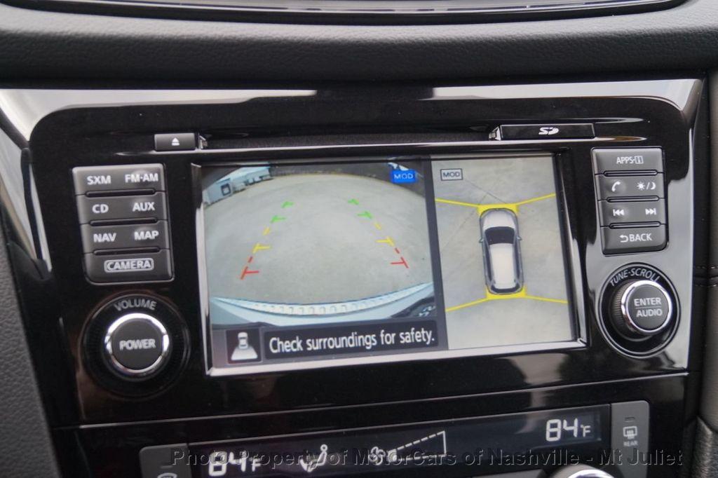 2017 Nissan Rogue FWD SL Hybrid - 18415356 - 36