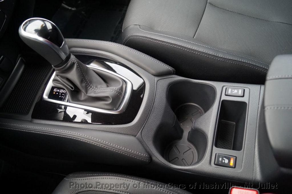 2017 Nissan Rogue FWD SL Hybrid - 18415356 - 39