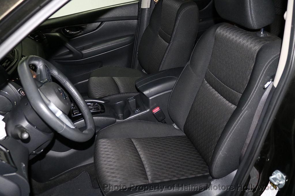 2017 Nissan Rogue FWD SV - 18196926 - 16