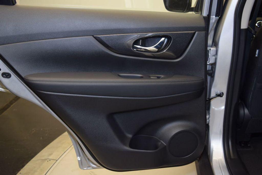 2017 Nissan Rogue S - 15834739 - 9
