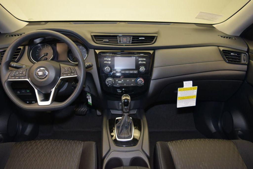 2017 Nissan Rogue S - 15834739 - 12
