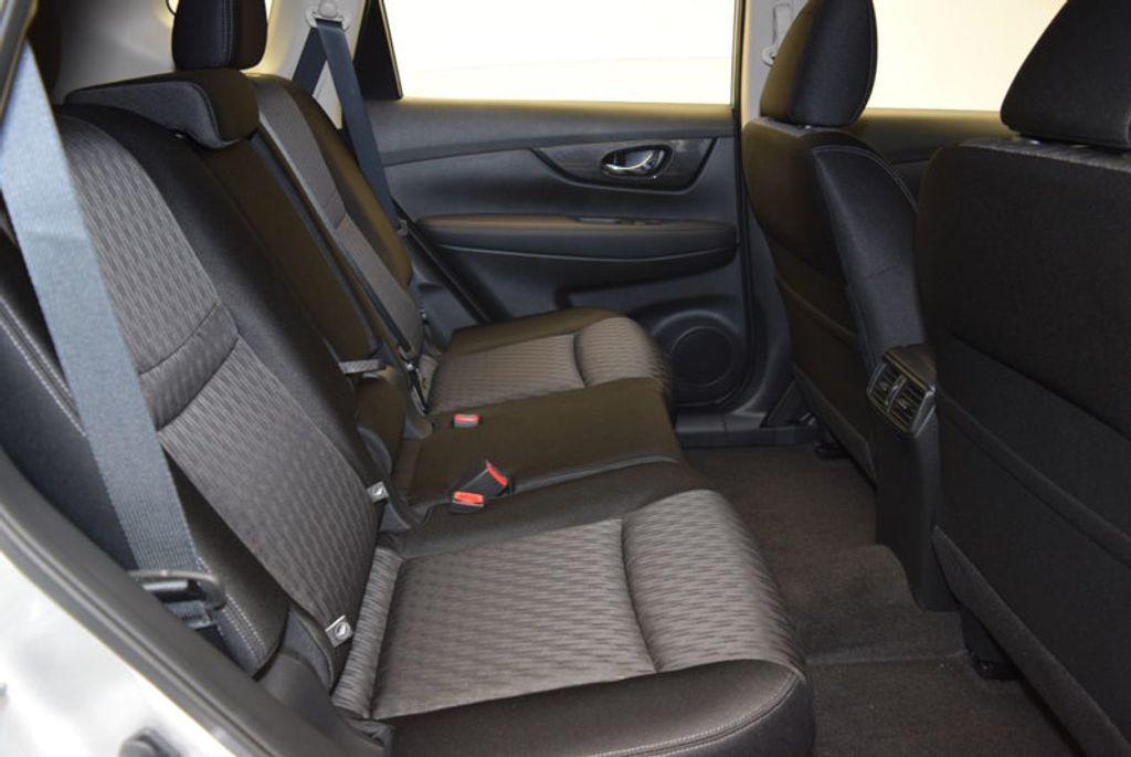 2017 Nissan Rogue S - 15834739 - 30