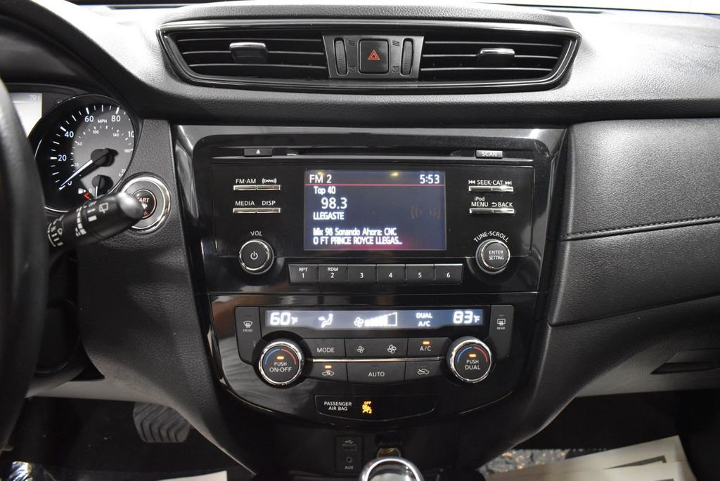 2017 Nissan Rogue SV - 18432687 - 18