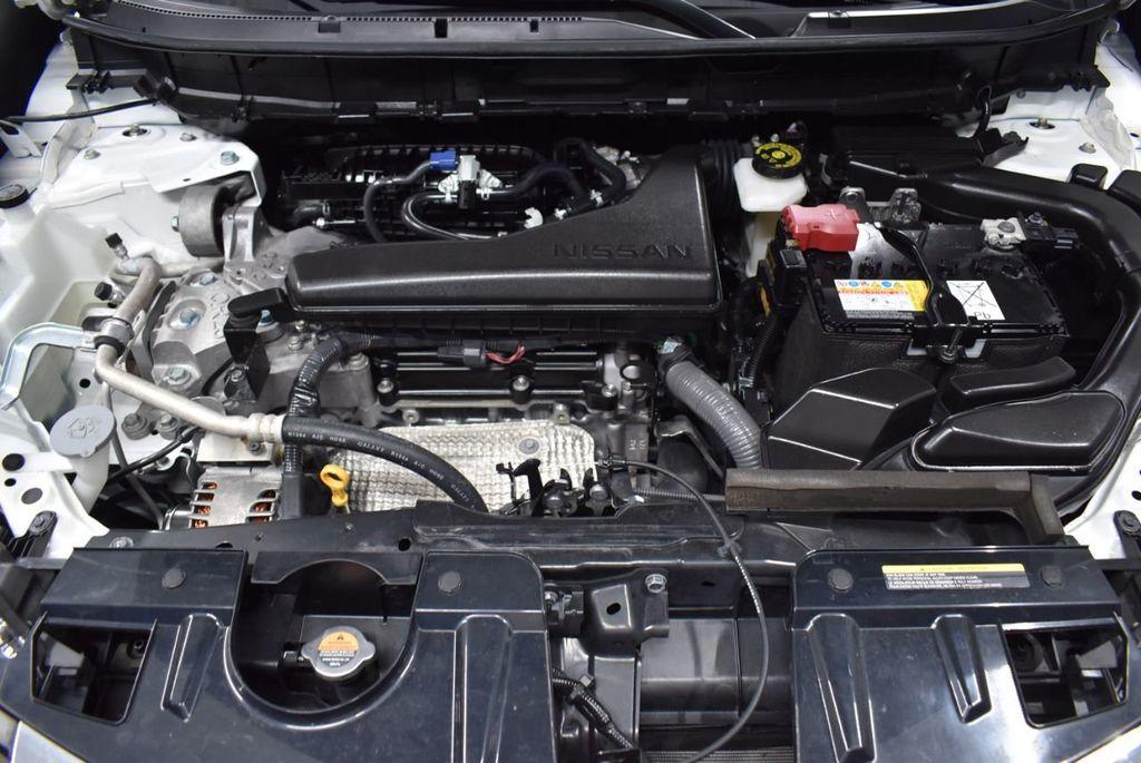 2017 Nissan Rogue SV - 18432687 - 23