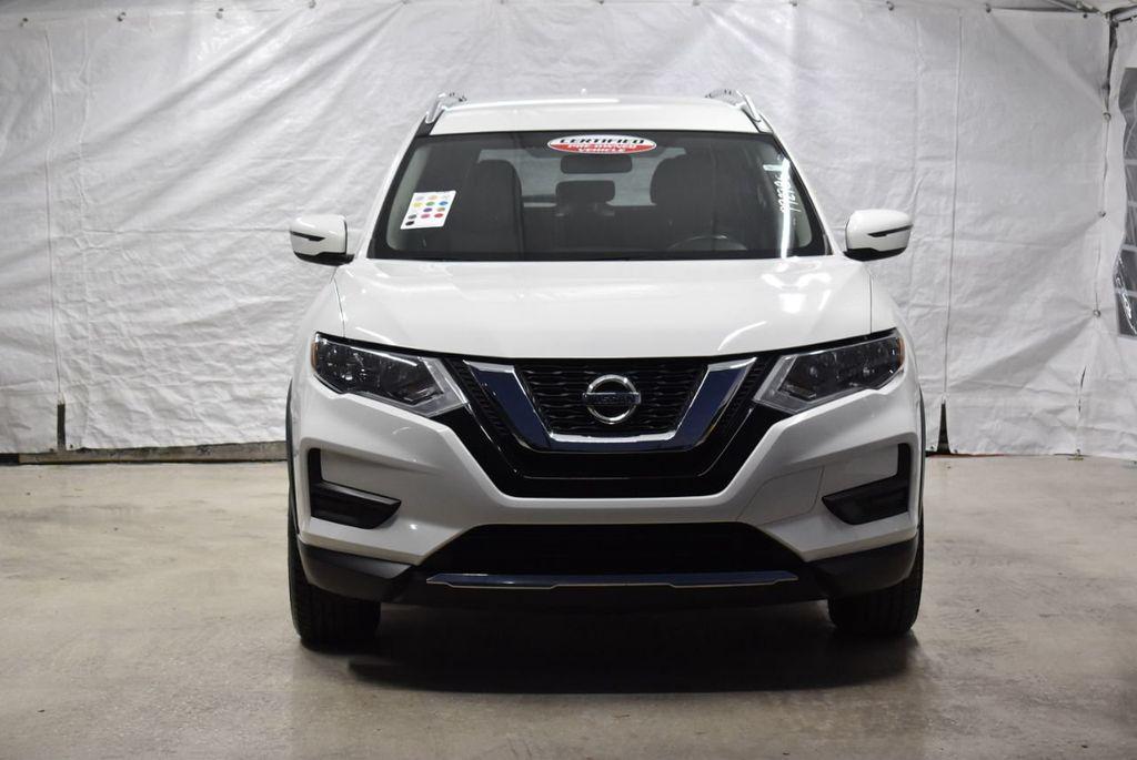 2017 Nissan Rogue SV - 18432687 - 2