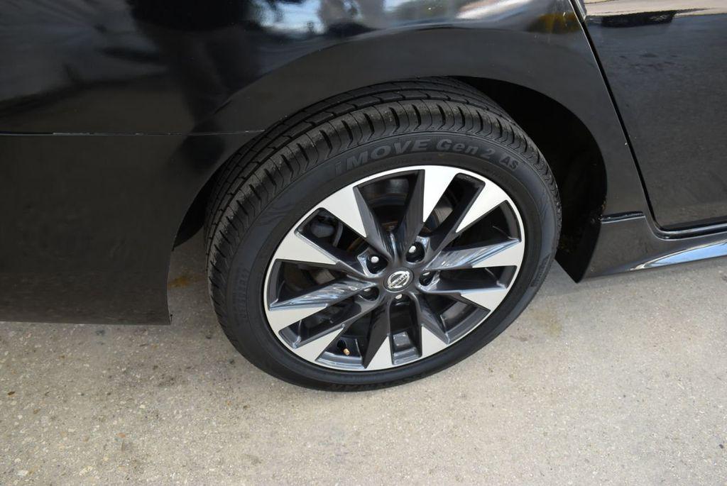 2017 Nissan Sentra  - 18663317 - 9
