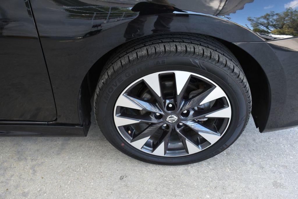 2017 Nissan Sentra  - 18663317 - 11