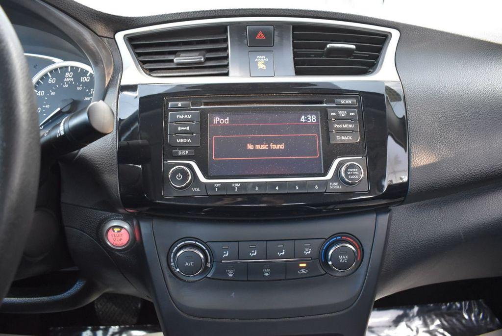 2017 Nissan Sentra S CVT - 18423365 - 24