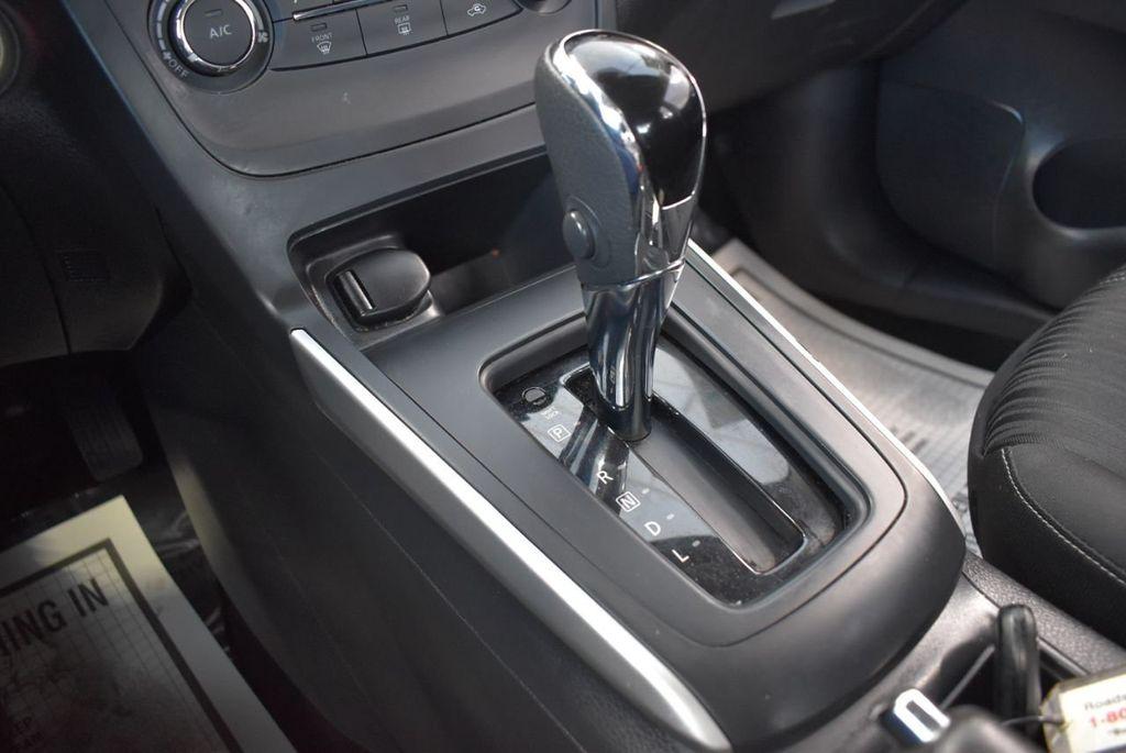 2017 Nissan Sentra S CVT - 18423365 - 25