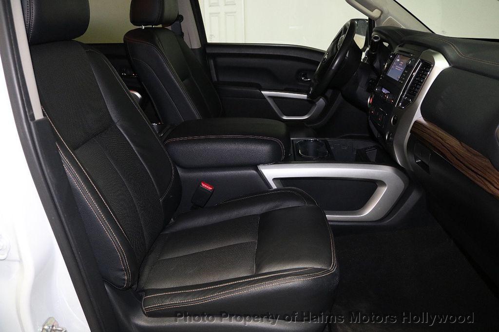 2017 Nissan Titan 4x2 Crew Cab SL - 17851912 - 15
