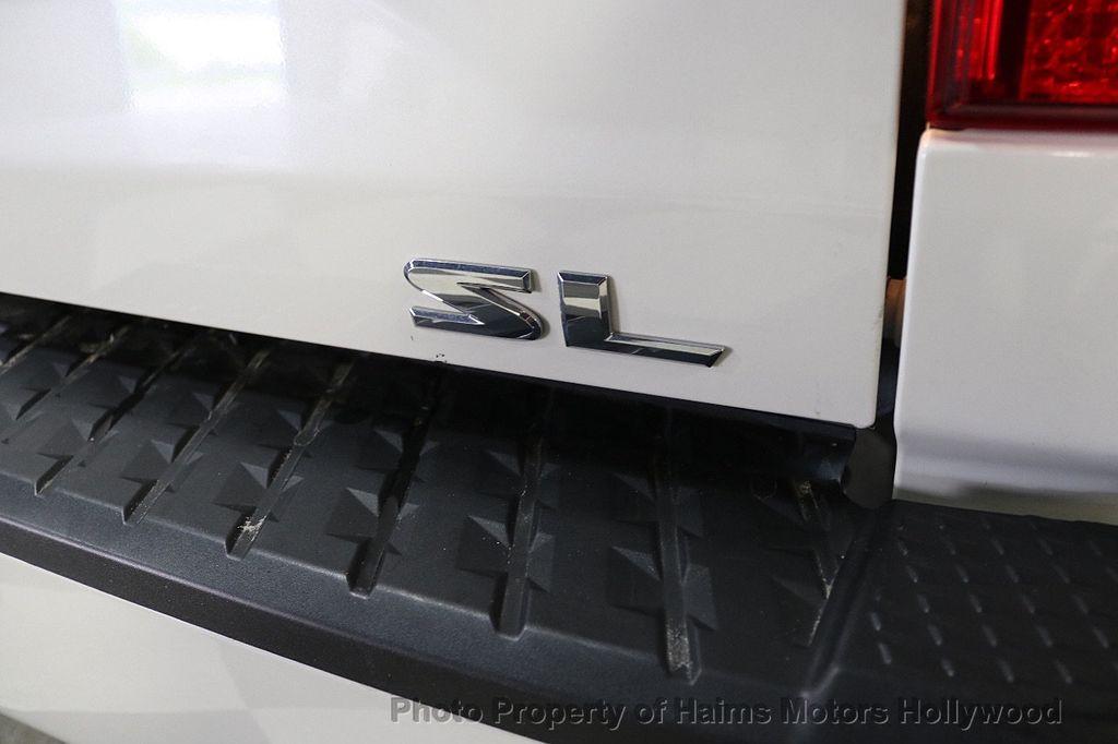 2017 Nissan Titan 4x2 Crew Cab SL - 17851912 - 7